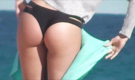 Une nouvelle machine à sexe qui video porno chinois gratuit bat une fille dans deux trous.