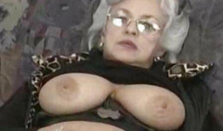 Shkolyarka donne dyafoon les contraintes et les tensions chinois porno de l'