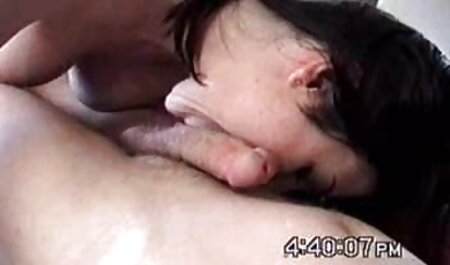 Maîtresse a donné une femme noire pour lécher un chaton porno dessin animé chinois blanc