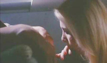 Adolescent beauté russe jouant sur webcam site de porno chinois