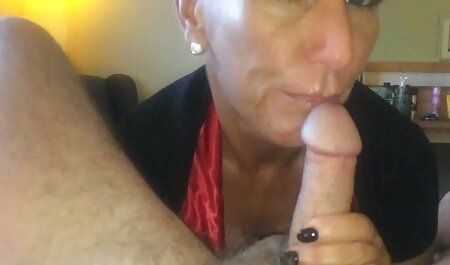 Jolie brune aux gros seins baise son cul. le film porno chinois