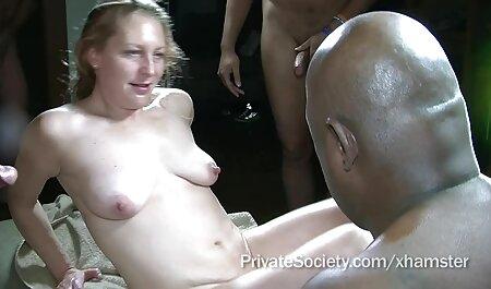 Les adultes échangent volontairement leurs porno sinoi femmes.