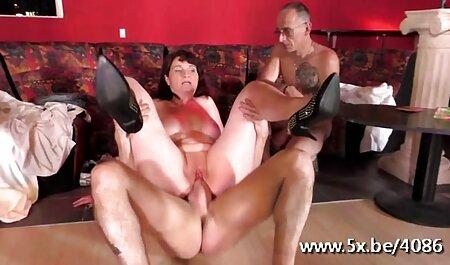 Trois Lesbiennes porno de chinoi battre leurs pieds