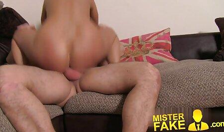 Une brune sexy ayant des relations sexuelles chinois porno anales après une fellation.