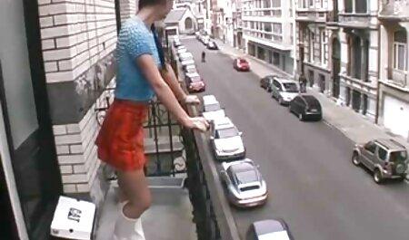 Brune avec des lunettes video xxx chinois et un petit ami.