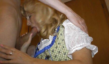 Le Gangster est venu baiser la dessin animé chinois porno jolie blonde.