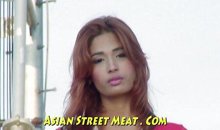 Sexe avec une beauté mince porno dingue chinois qui est très occupé