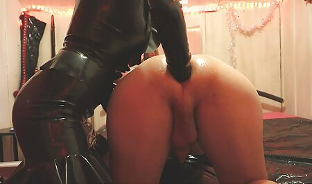Brunette masturbation un film porno chinois avec des jouets