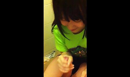 Bite coincé dans le vagin Russe Rasé pour film porno massage chinois une jeune fille