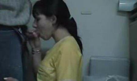 Deux couples mariés ayant des bus chinois porno relations sexuelles dans les bois et un étudiant les espionnant.