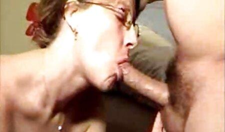 L'Infirmière En latex chinois pornos fait une nouvelle Fellation.
