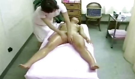 Un homme filmporno chinois a poignardé sa maîtresse avec une bite courbée.