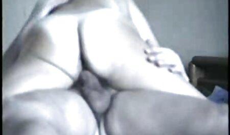 L'homme a convaincu la site de porno chinois femme de baiser anal.