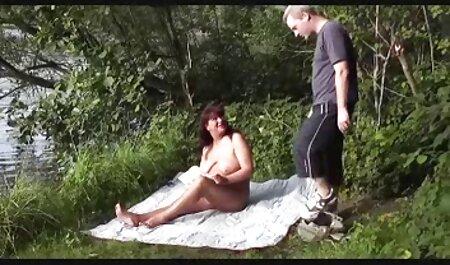 Son mari a fait une surprise pour sa femme: les yeux bandés et lui a donné porno de chinoi de baiser un homme inconnu