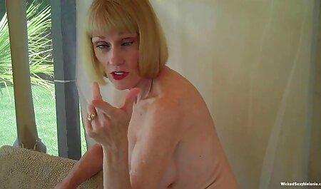 Belle MILF avec de beaux seins filmporno chinois fous.